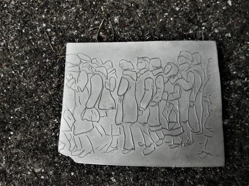Queueing people, brooch, silver, 65x82, Mihaela Coman